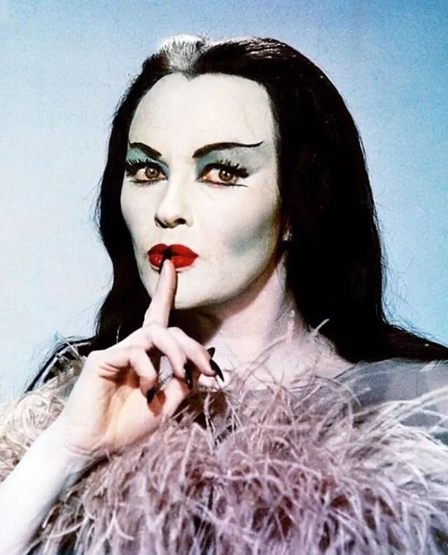 ? Amazing Color Photos of Lily Munster, Yvonne De Carlo 1