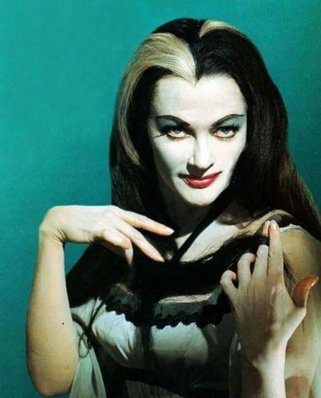 ? Amazing Color Photos of Lily Munster, Yvonne De Carlo 6