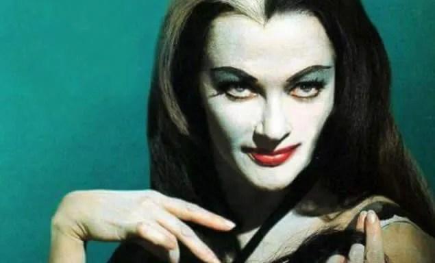 📷 Amazing Color Photos of Lily Munster, Yvonne De Carlo 1