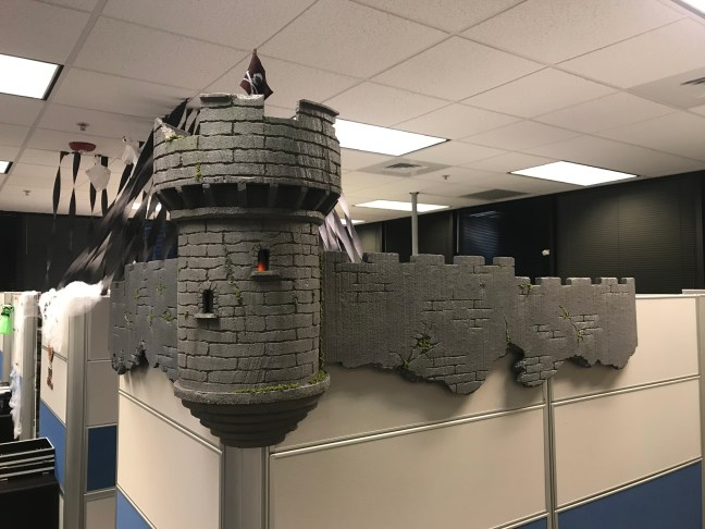 Foam Halloween Office Decoration DIY Castle and Wall Installed with Lights and Moss
