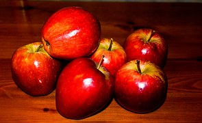 red-apple-1232210__180