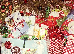christmas-presents-595850__180