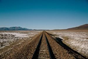 Az út előtted áll