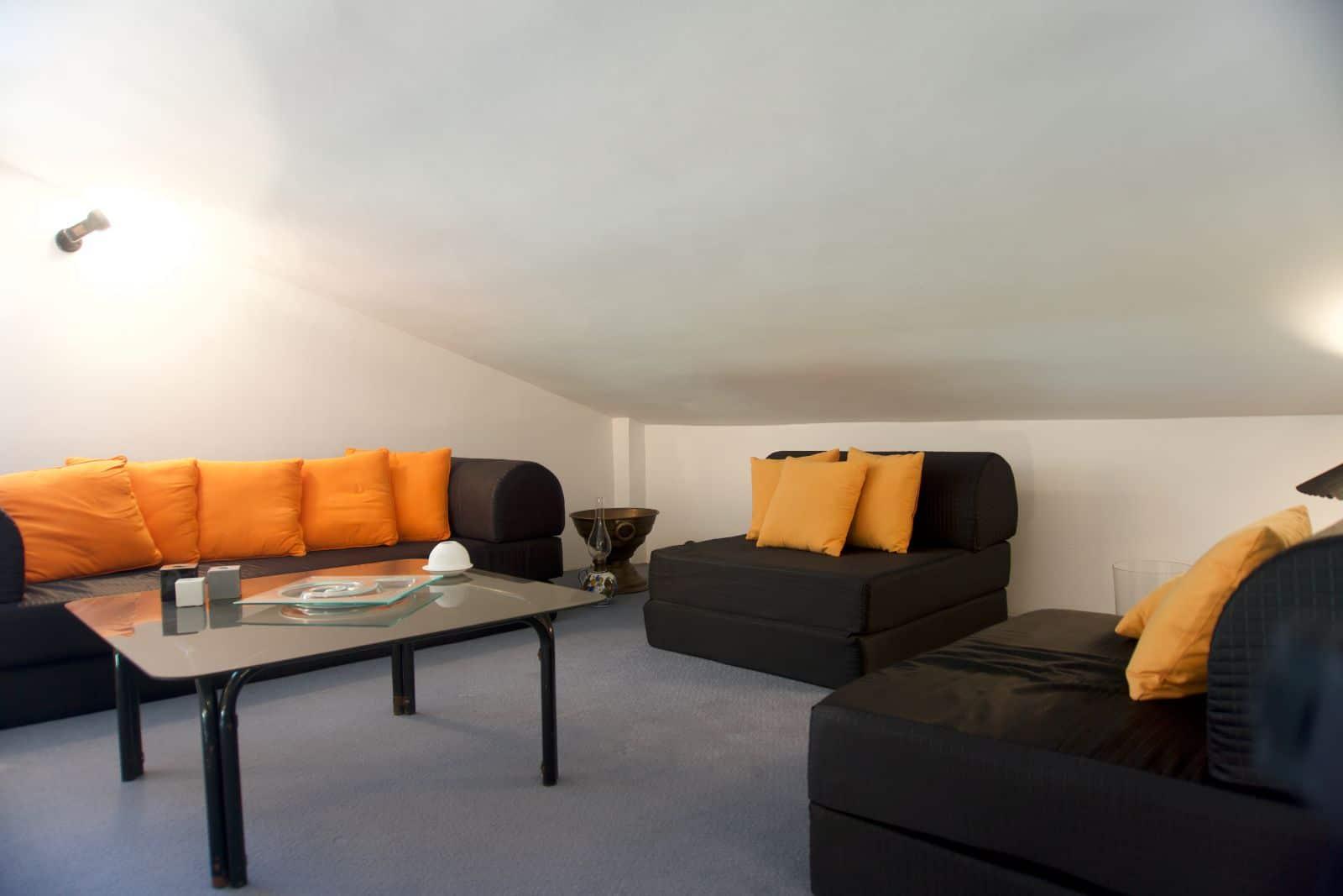 Diamond Mezzanine & Upper Bedroom