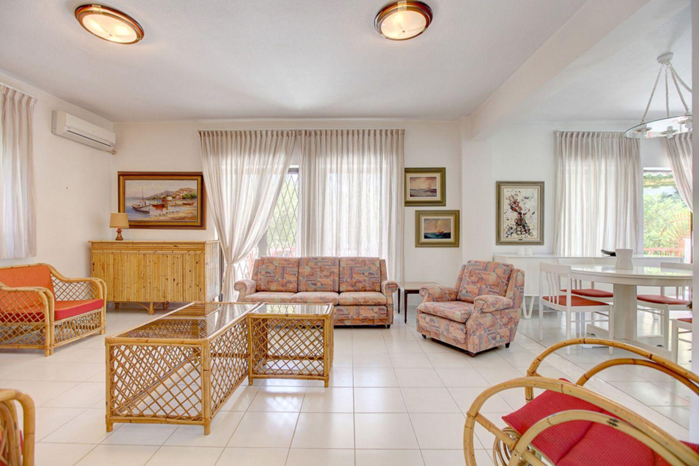 August Living room
