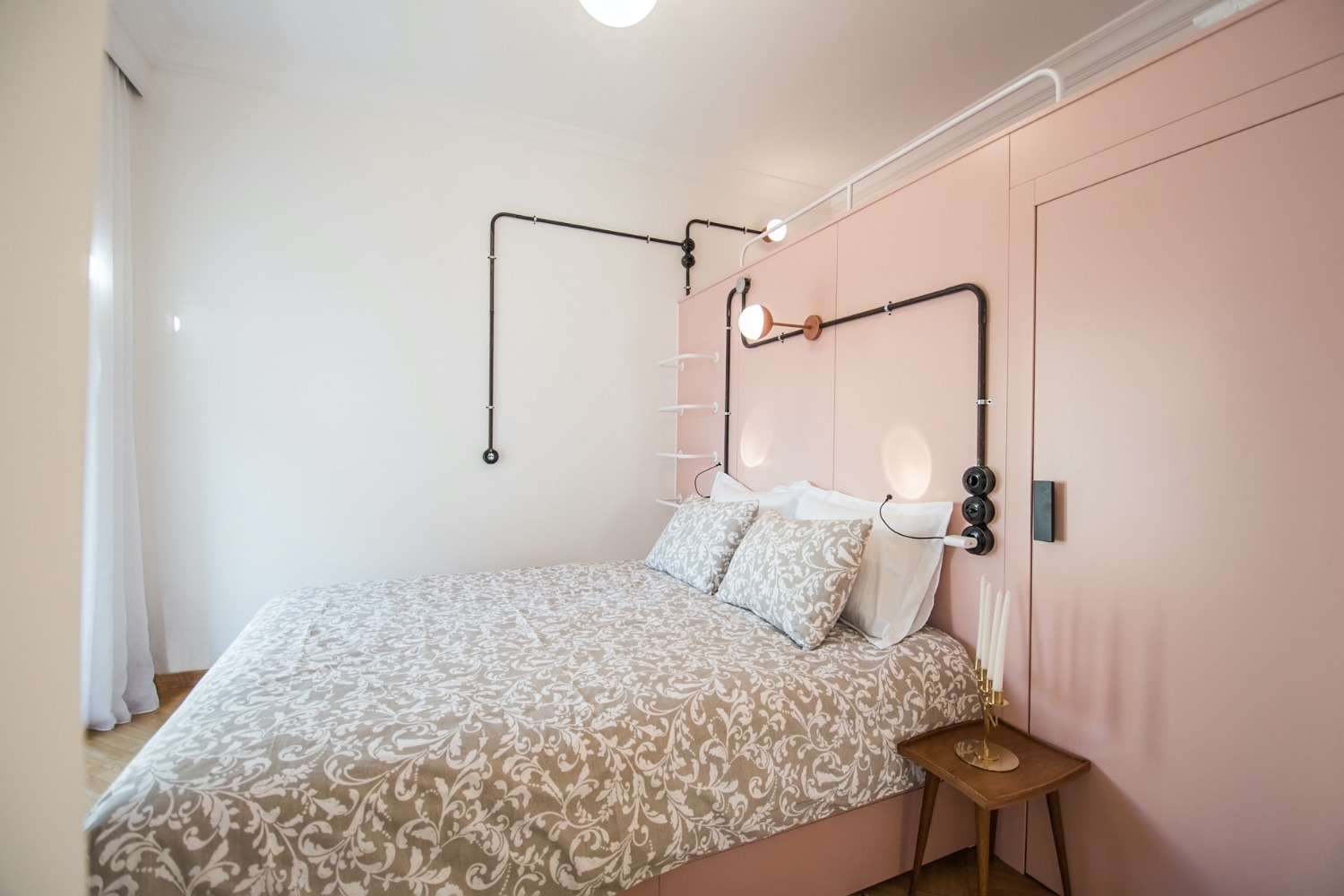 Bedroom with Queen bed, Single bed and walk-in closet
