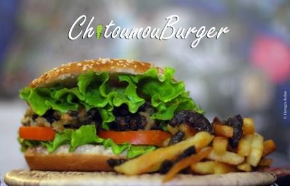 Chitoumou hamburger Chenille Burkina Faso