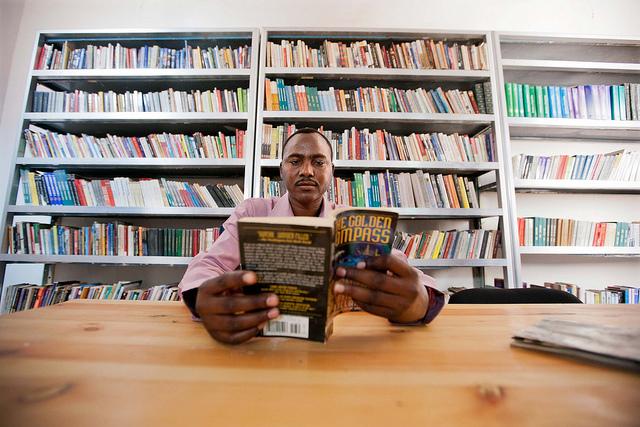 Un nouveau site de rencontres pour les amateurs de livres | Les malins
