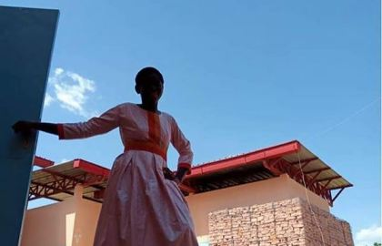 Bèkaseli habit pour orphelins grace à Ikalook ©oman Seth