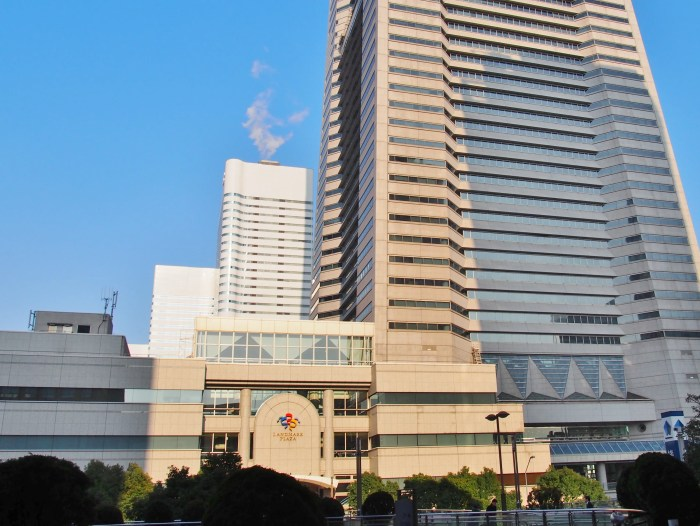 横浜ランドマークタワーの煙