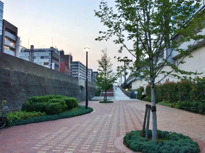 旧東横線跡地遊歩道