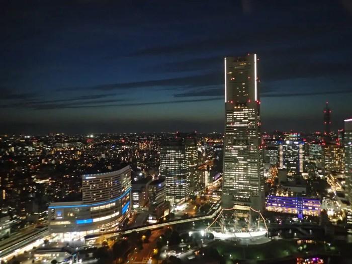 ランドマークタワーの夜景