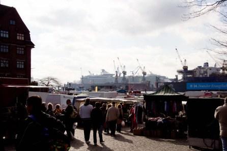 Fischmarkt mit Elbblick