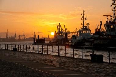 Der Hafen erwacht