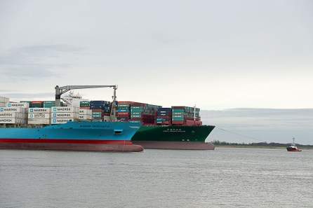 CSCL Indian Ocean + Maersk Newcastle