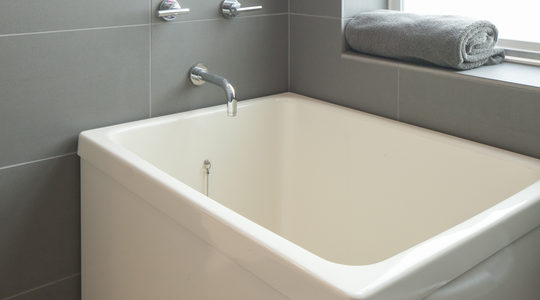 Ofuro Soaking Tubs Vs American Style Bathtubs Hammer Amp Hand