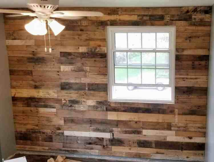 Easy DIY Pallet Accent Wall
