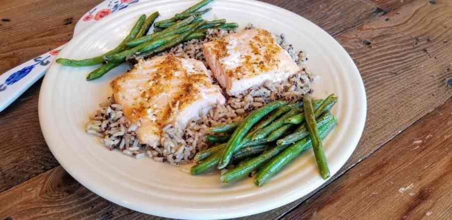 Sheet Pan Fajita Salmon and Green Beans Recipe