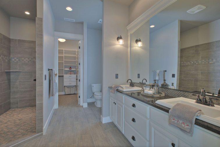 2nd Mstr Bathroom