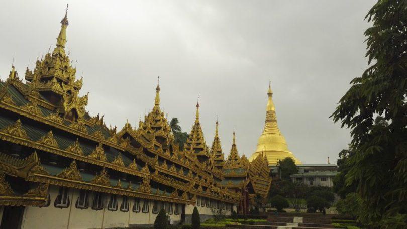 Shwedagon entrance