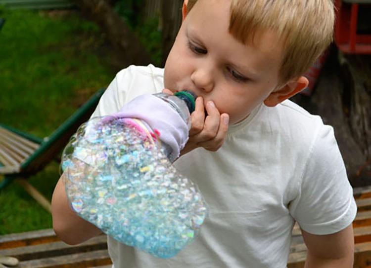 peniup gelembung dari botol bekas, kerajinan dari botol bekas