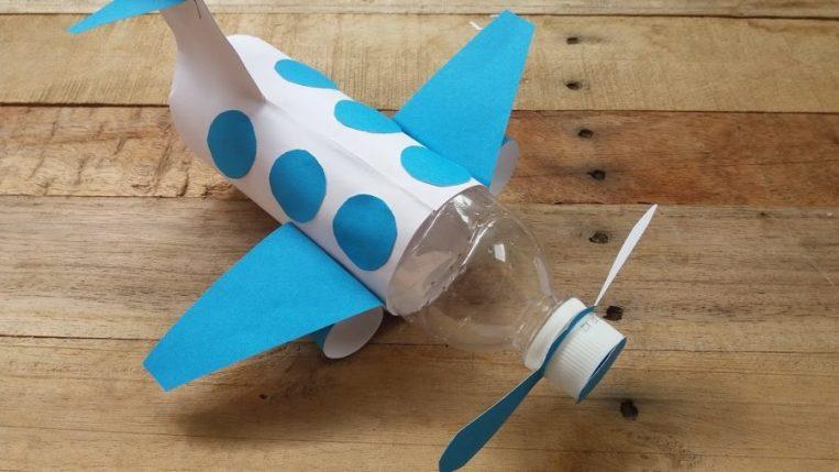 pesawat hasil dari kerajinan botol bekas