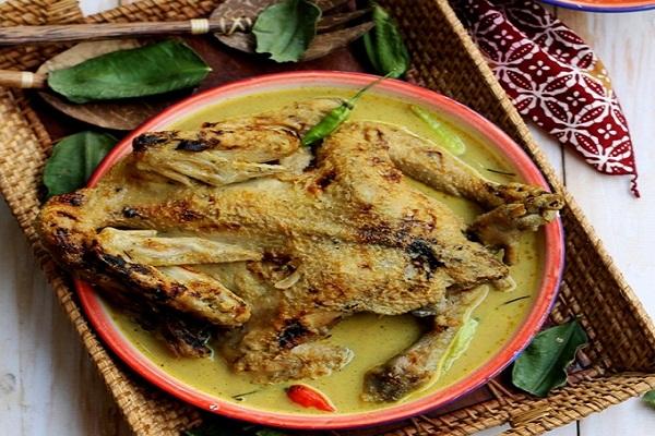 ayam lodho, makanan khas trenggalek