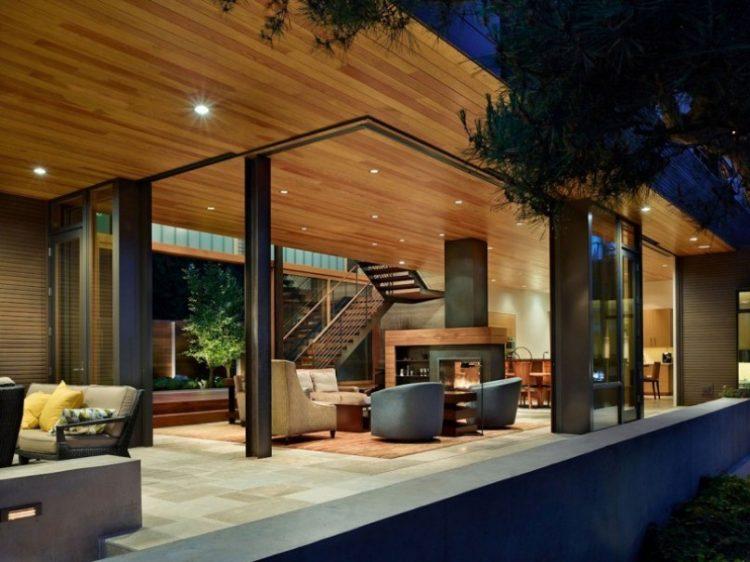 teras rumah mewah