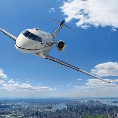 Challenger 300 Jet Flying Over Manhattan, NY