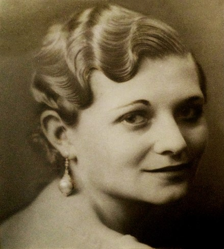 Dorothy Dudley (Wheeler Cheney)