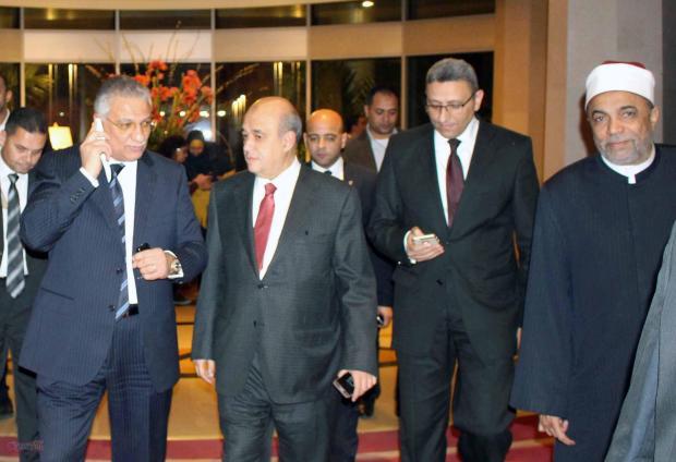 أحمد زكى بدر وزير التنمية المحلية