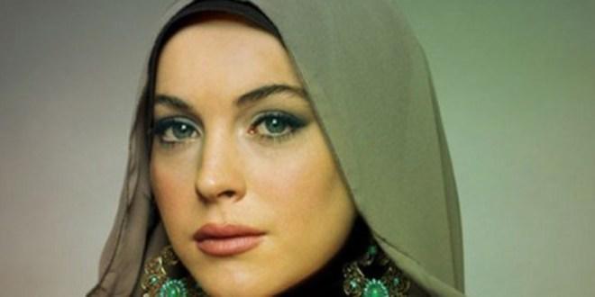 """ليندسي لوهان تنتقل إلى الرياض لتصوير فيلم """"نسائي"""" وهذا هو السبب…."""