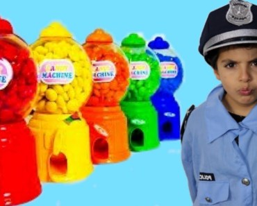 A la recherche de mes bonbons/funny kids eating candy video for toddlers:johnny johnny yes papa - a la recherche de mes bonbonsfunny kids eating candy video for toddlersjohnny johnny yes papa