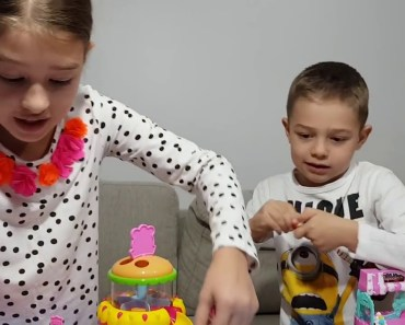 Hamsters in a House – FOOD FRENZY has arrived! | New Toys for Kids | Hamster Toys - hamsters in a house food frenzy has arrived new toys for kids hamster toys