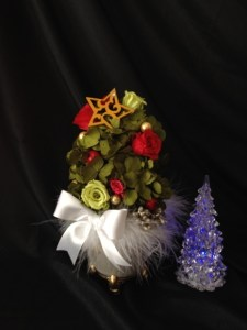 プリザーブドフラワークリスマスツリー
