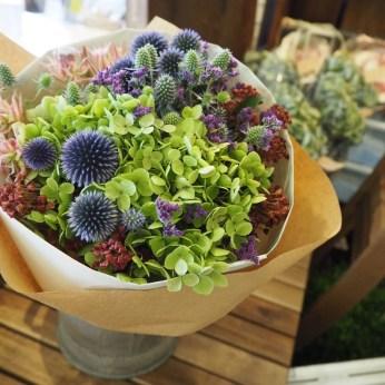 花束(ドライフラワーになる花材で)