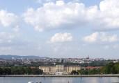 丘を登って市内一望。ここから見えるお城や中庭が中世の時と同じと考えると、ちょっと不思議