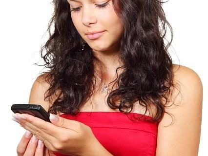 Tips Menghadapi Jika Gebetan tidak Membalas SMS anda