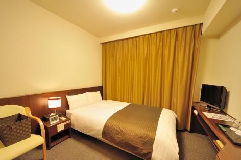 Dormy Inn Sendai Ekimae semi double room (3.2)