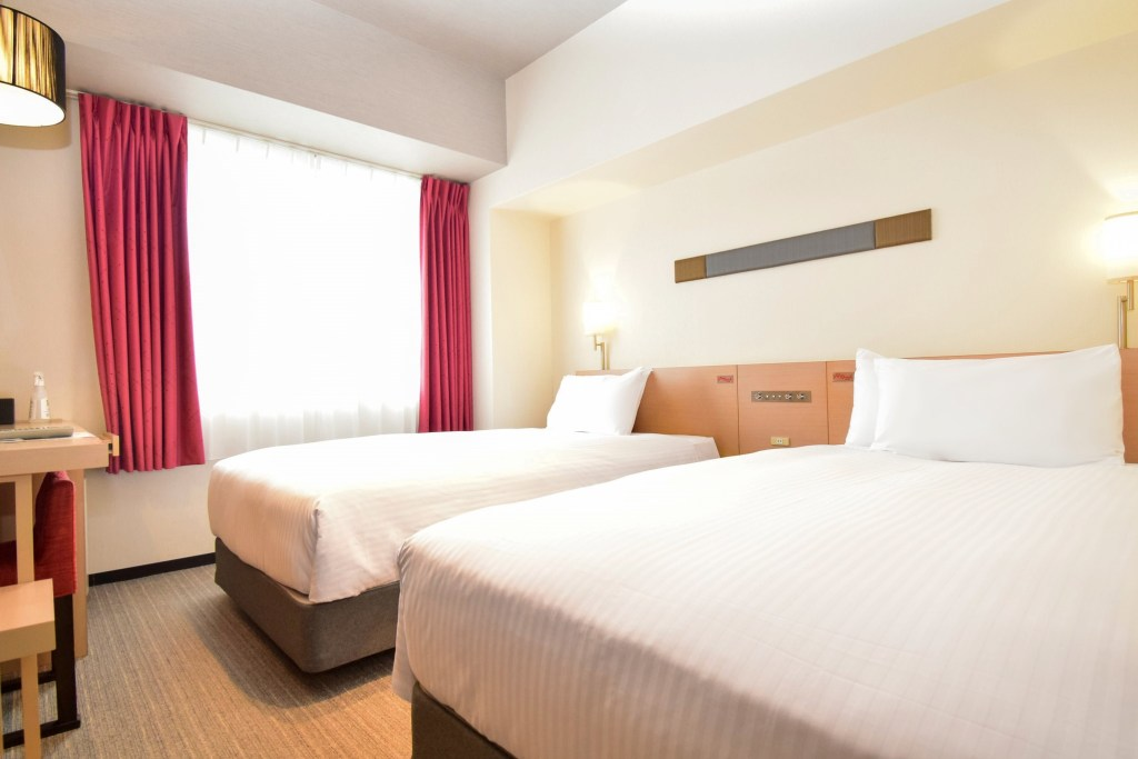 This image has an empty alt attribute; its file name is Ibis-Styles-Kyoto-Station-O-Standard-Twin-Room-1024x683.jpg