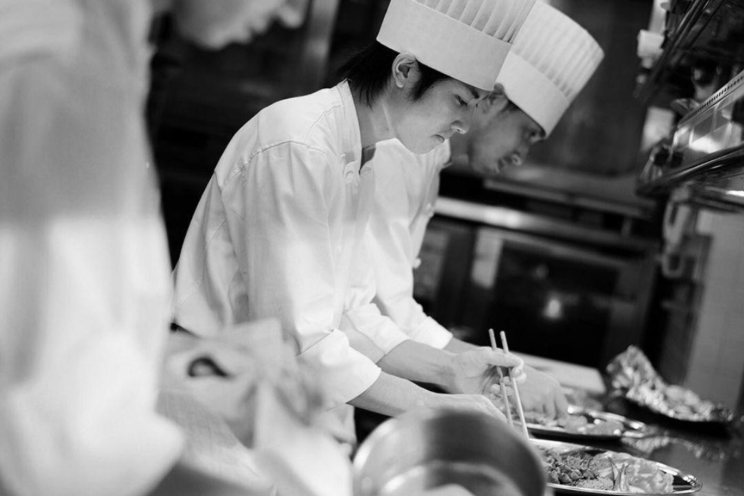 Chefs - Hotel Monterey Grasmere Osaka (Official)