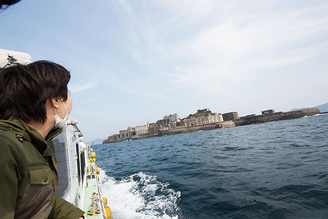 軍艦島周辺をゆっくりと周遊