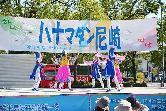 朝鮮舞踊の舞台