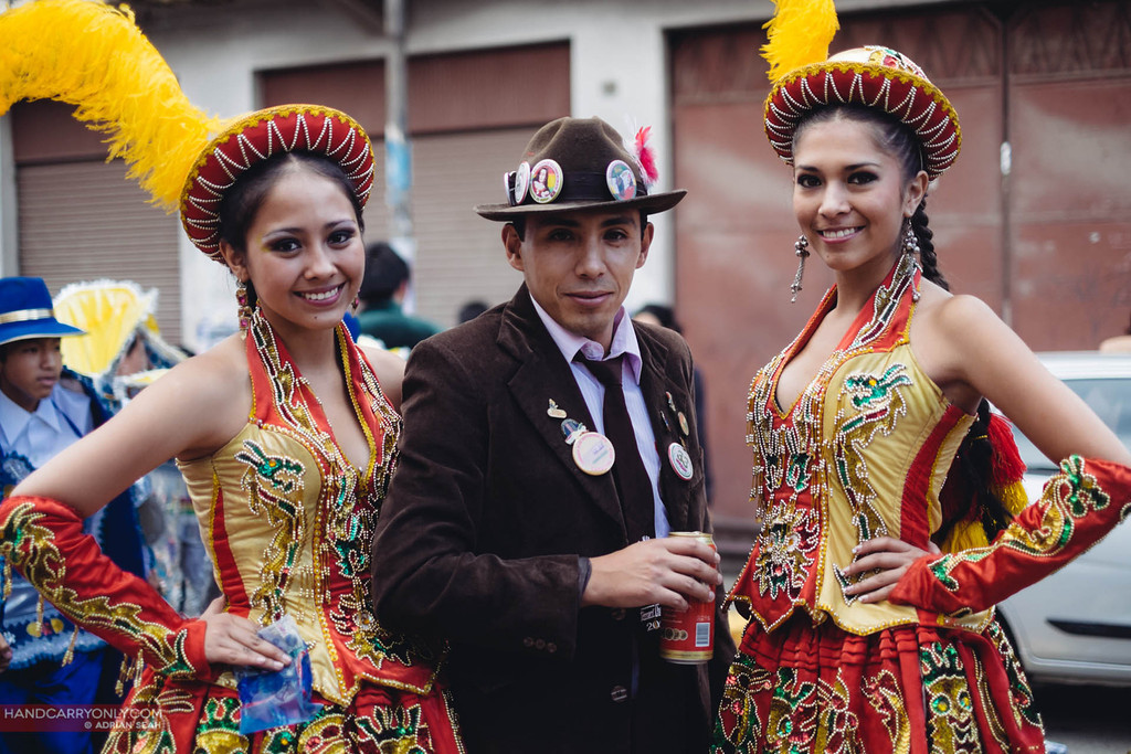 beautiful ladies posing parade sucre bolivia