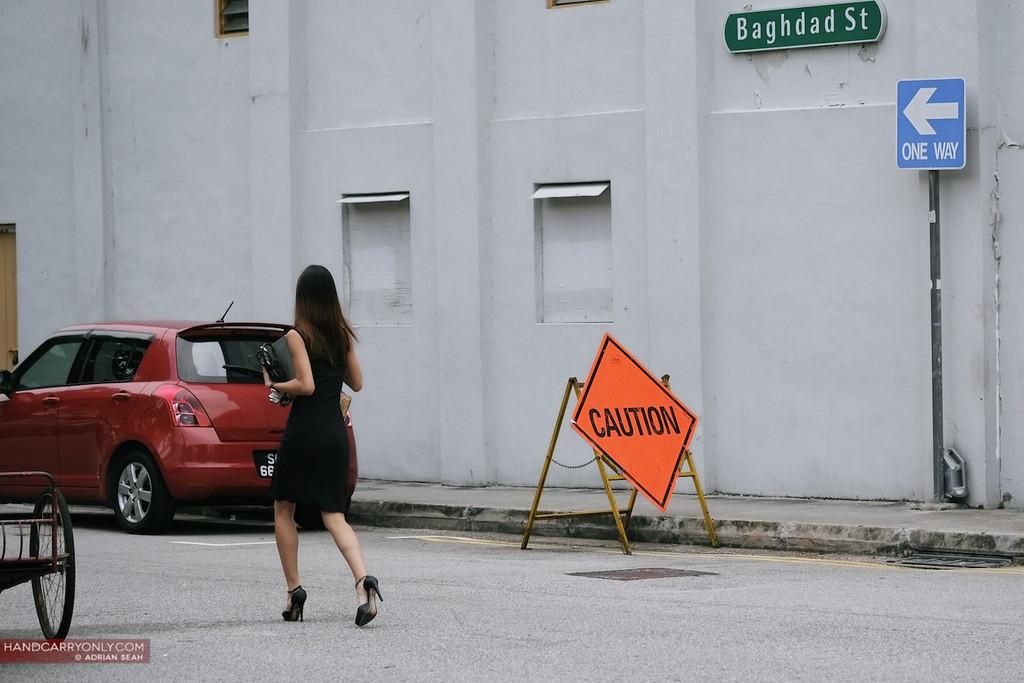 caution, one way