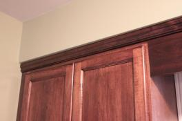 Crown molding to ceiling