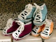 Virkade babytofflor
