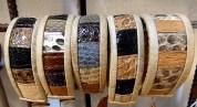 Läderarmband med olika strukturer