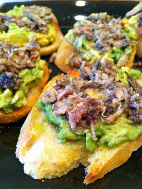 Alton Brown style avo-brisling toasts