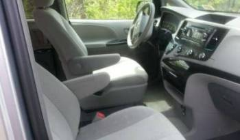 2013 Toyota Sienna LE – Rear Entry full